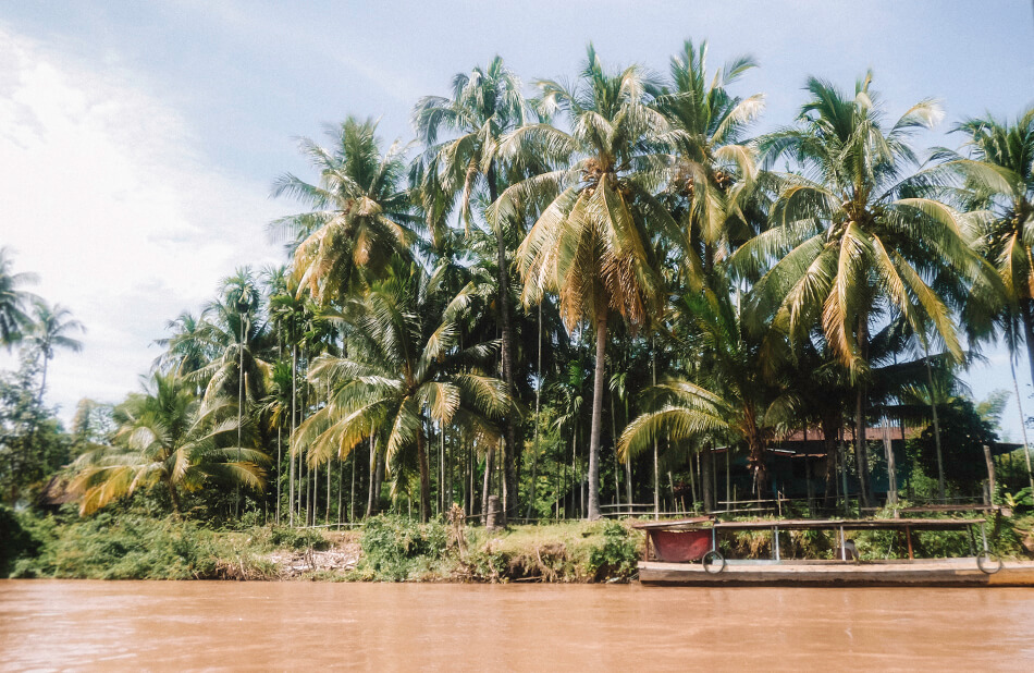 Tropical vibes in 4000 Islands, on the boarding with Cambodia