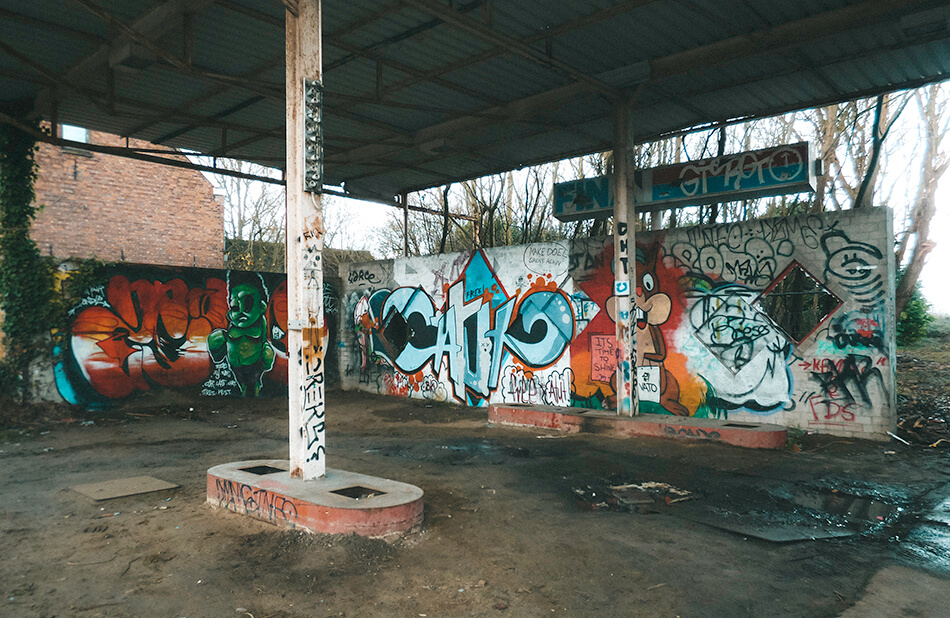 An abandoned petrol station in Doel