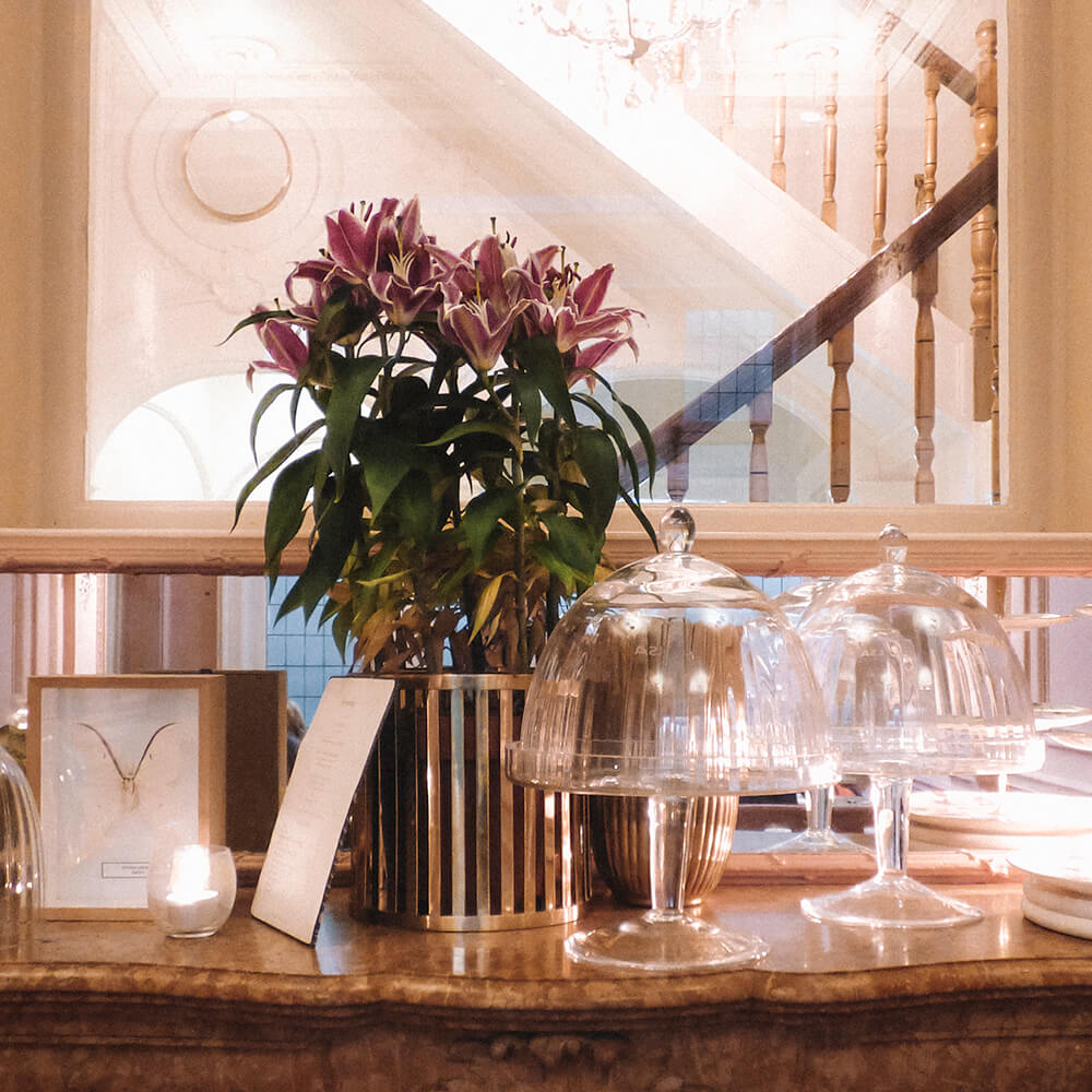 Beatiful decorations add character to the Millenial Pink interor of Cuisinette Domestic