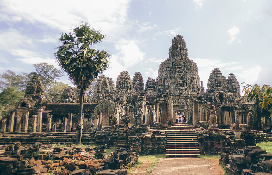 The entry to the bayon, one of the most beautiful temples in Angkor
