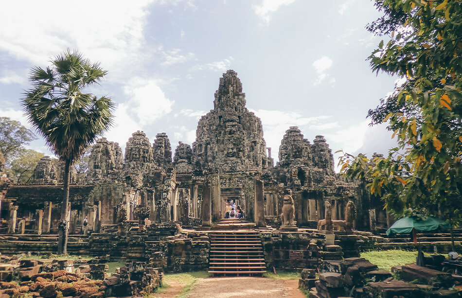 How to get from Don Det to Siem Reap to see the temples of Angkor Wat