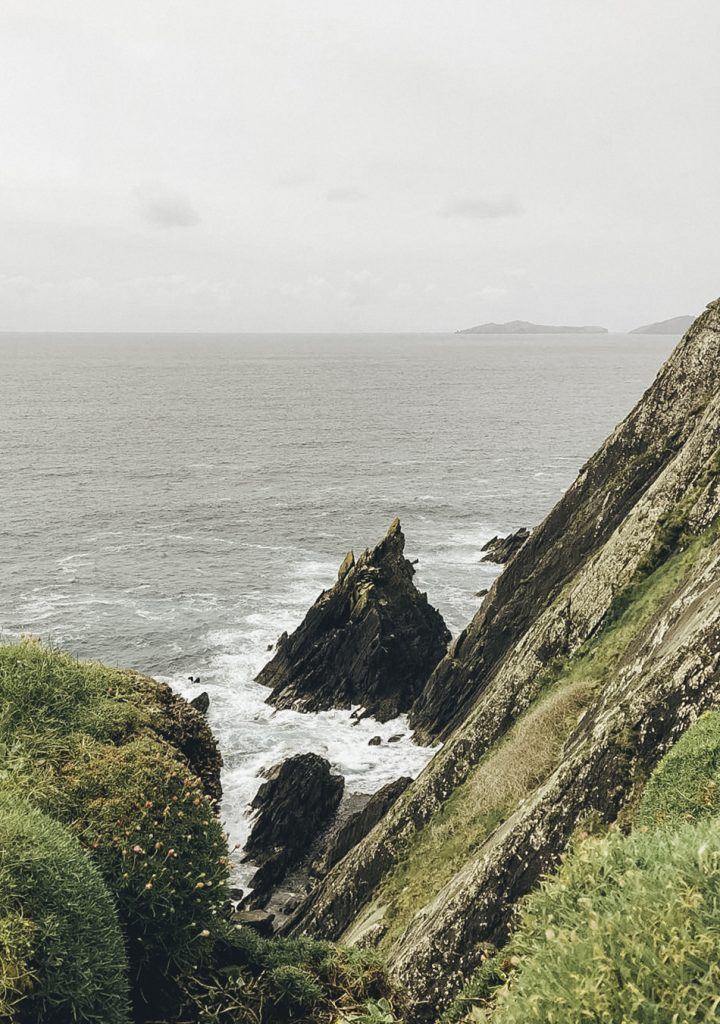 Ragged coastline along the Dingle Peninsula Drive