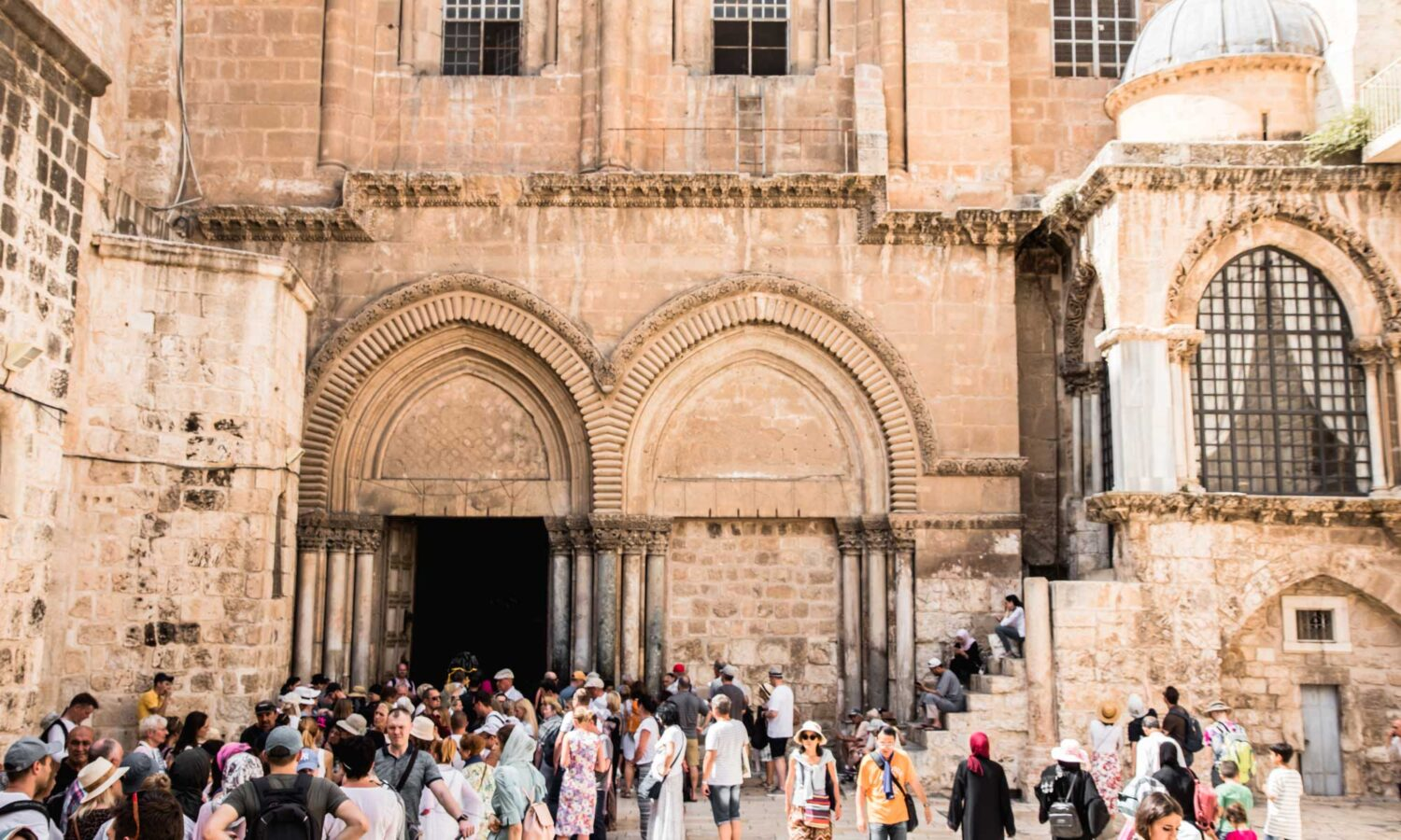 The Church of the Holy Sepulchre is a must top during your 2 days in Jerusalem