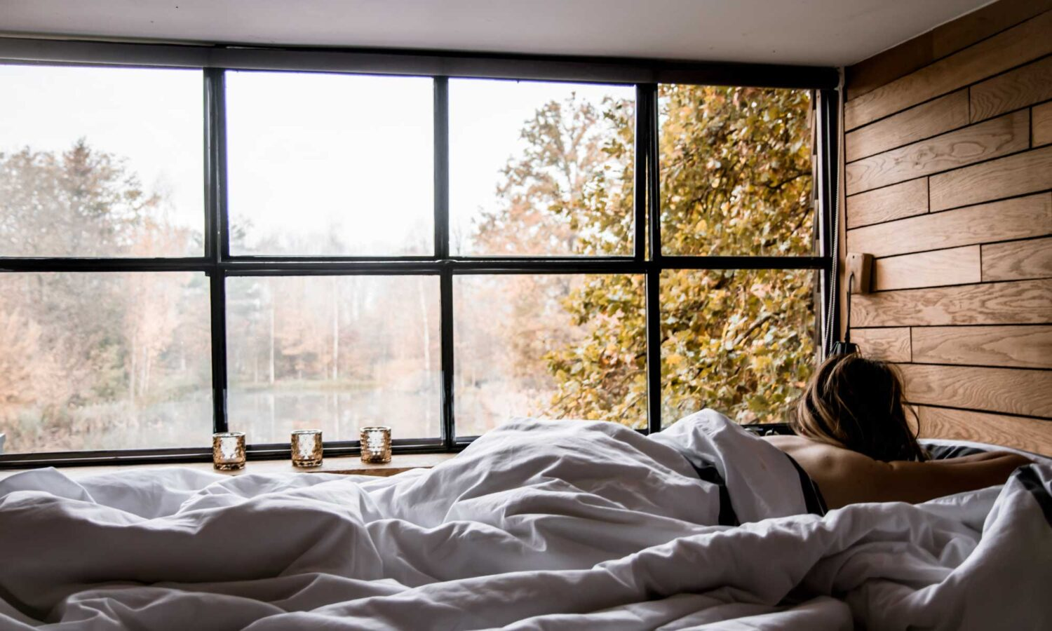 Waking up with an incredible view over the lake at the Belgium Tiny House: The Forest