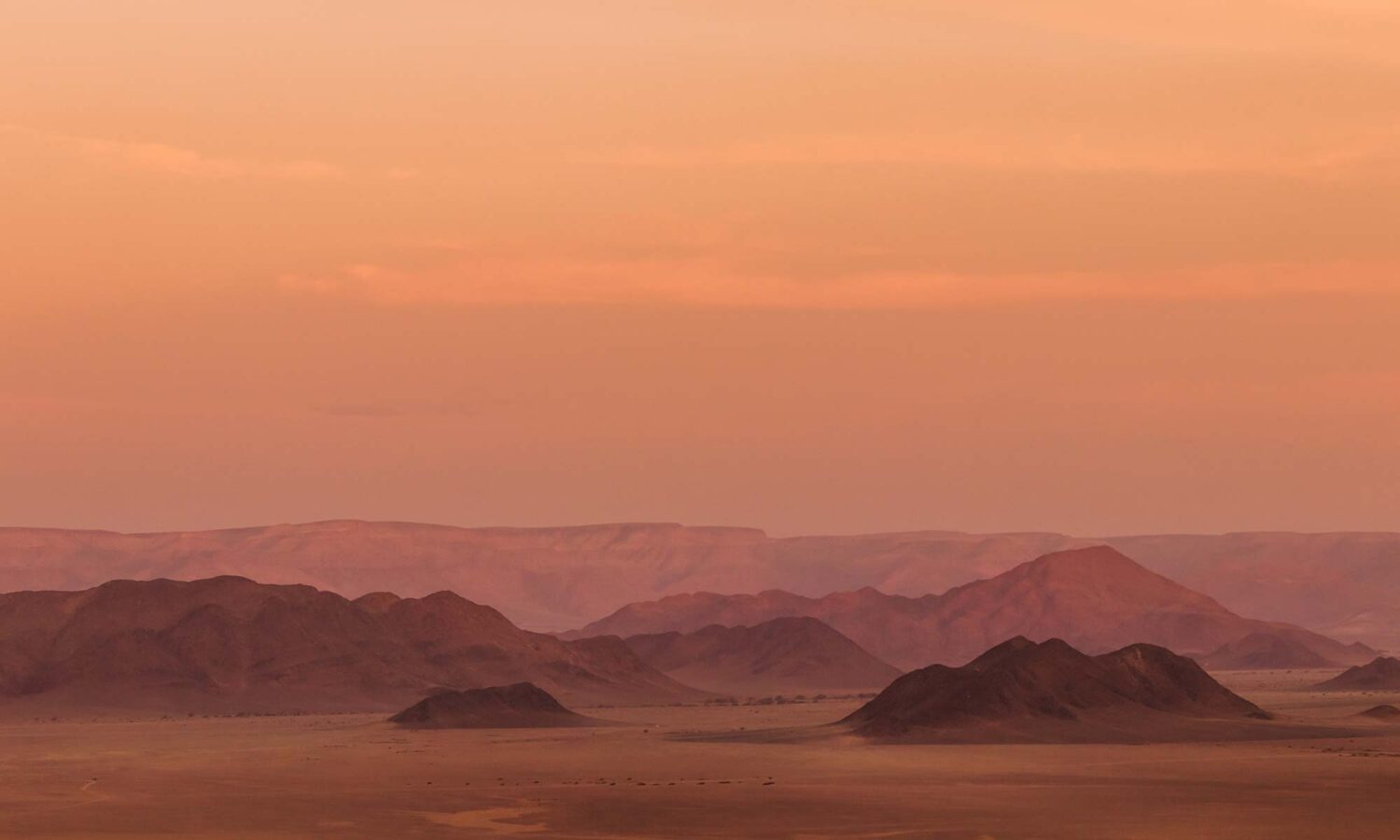 A sundowner is a must when spending 2 days in Sossusvlei